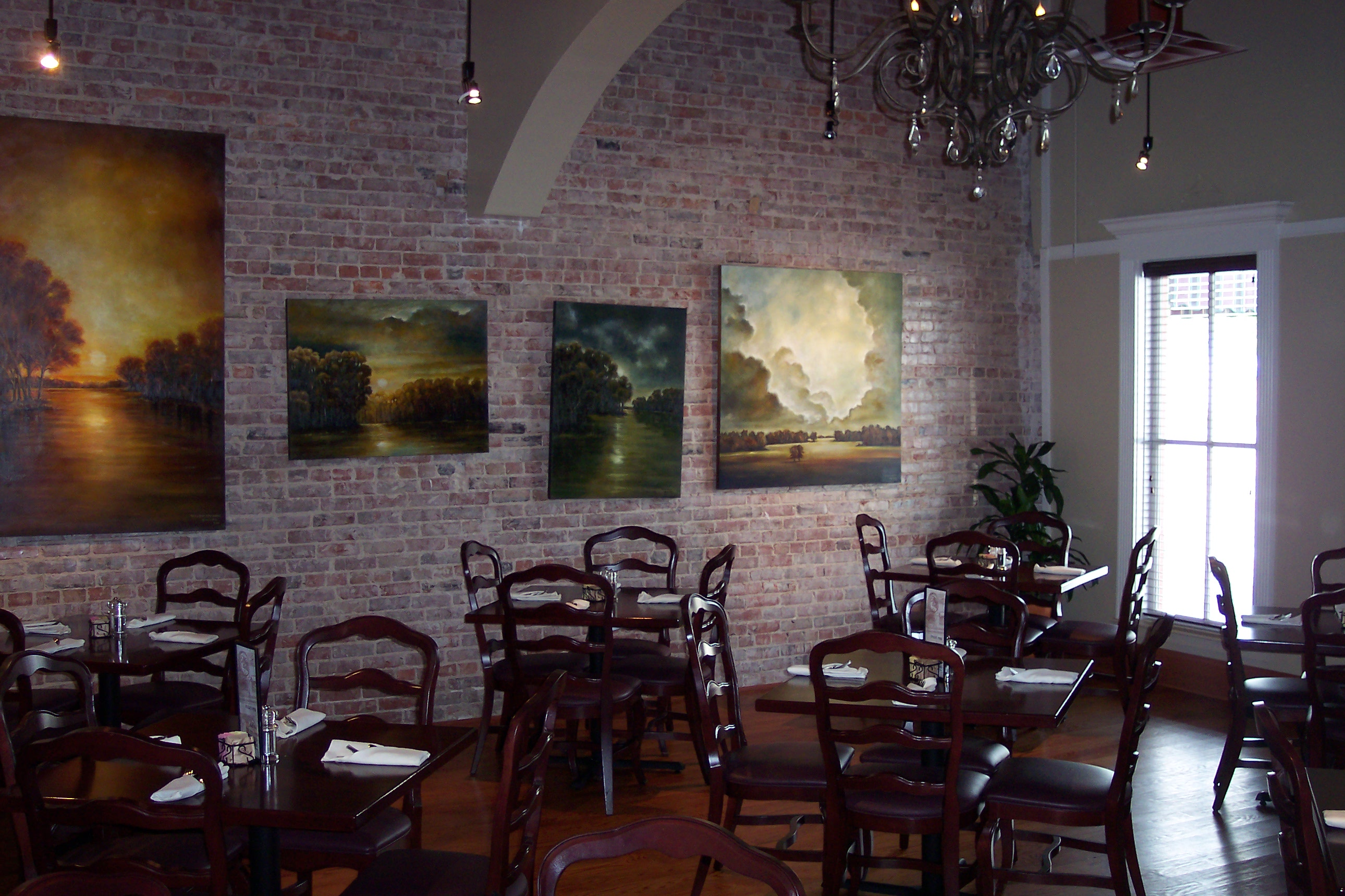 The chandelier room mikes place restaurant conway arkansas the chandelier room arubaitofo Images