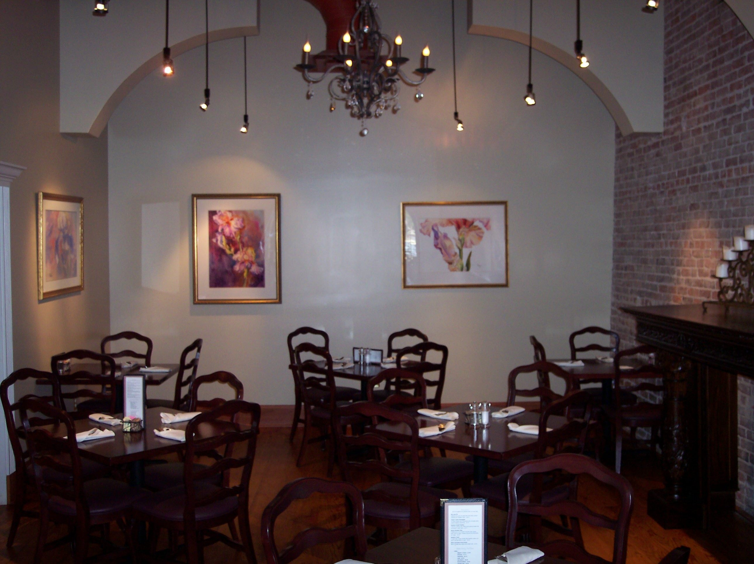 The chandelier room mikes place restaurant conway arkansas mikes place chandelier room arubaitofo Gallery